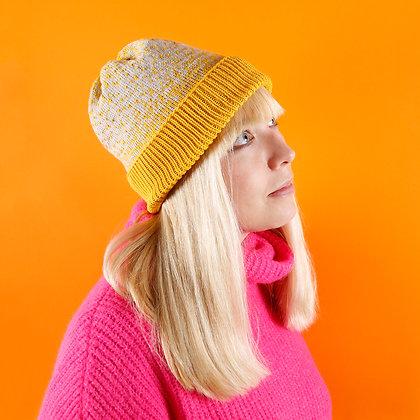 czapka żółta rozsypana