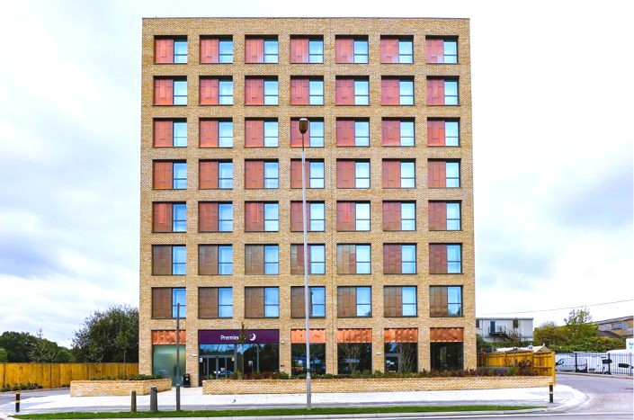 premier-inn-tolworth-705x467_edited.jpg