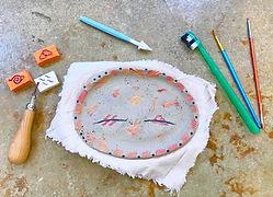 Naruto Stempel auf Tonteller Sommerferie