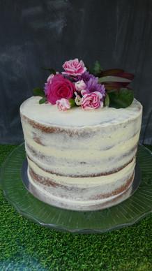 Semi naked sponge cake