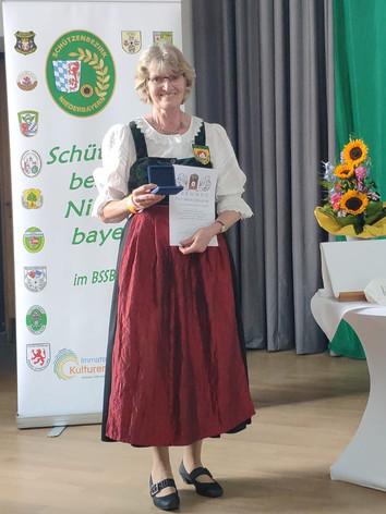 Angela Sedleczki