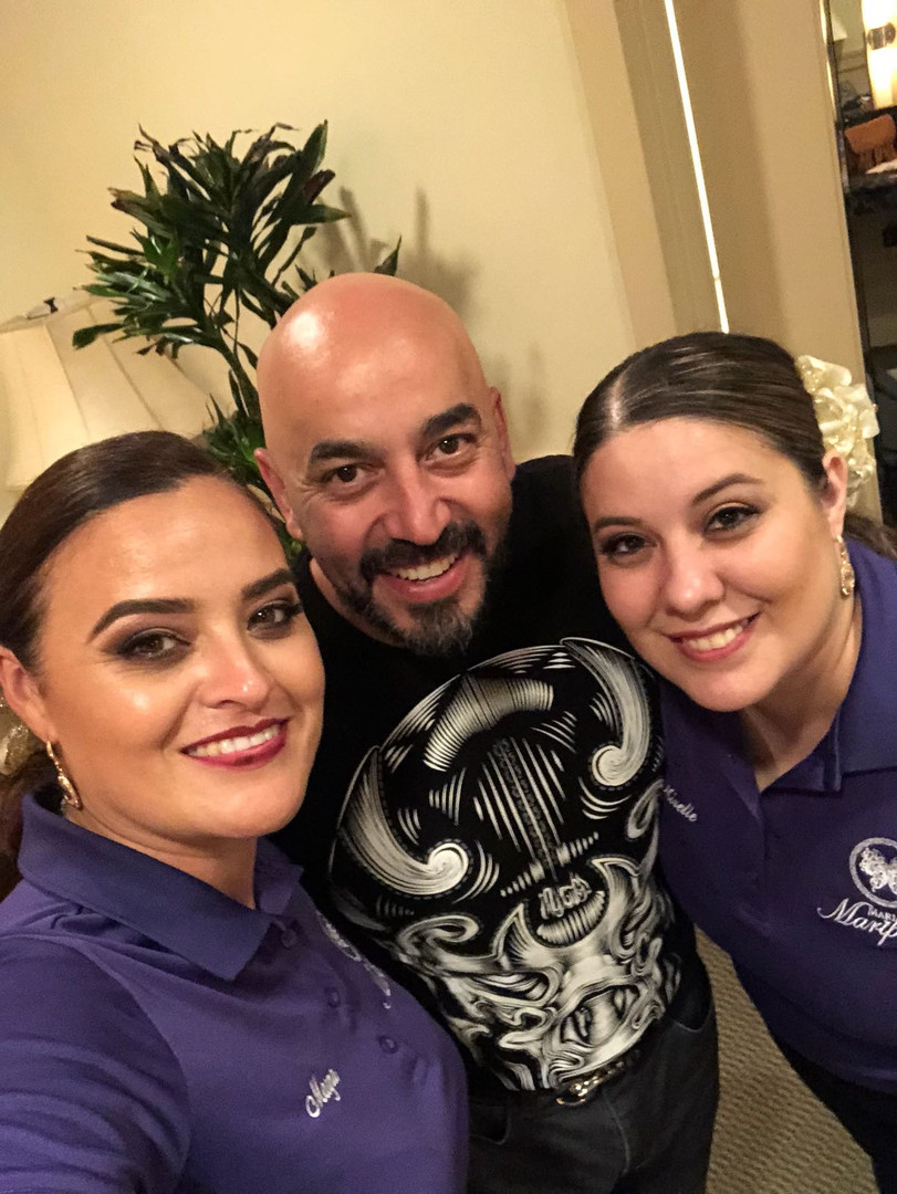 Mayra and Mirelle with Lupillo Rivera after the concert