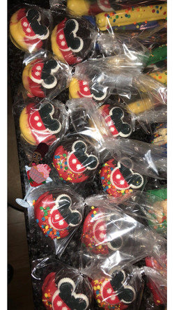 MickeyMouseCluhbhouse Dipped Oreos