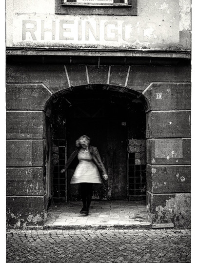 Rhine Spinning Girl