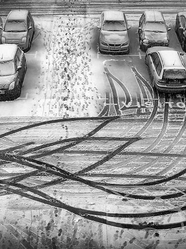 Car park tracks