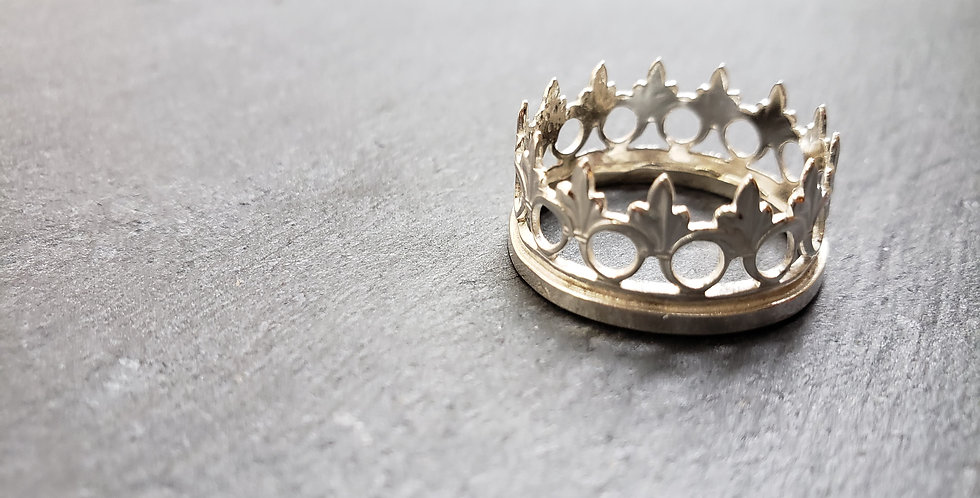 Her Majesty Queen Ring