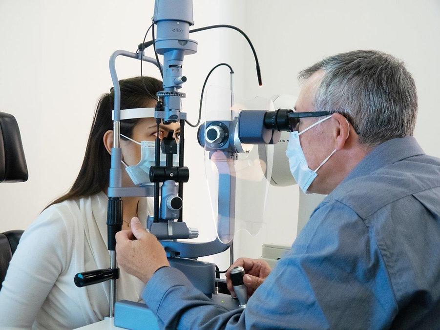 Sehtest, Augenkontrolle, Kontaktlinsen,