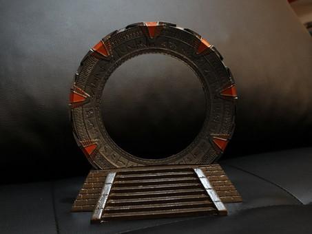 """Stargate SG-1 - """"Crew gift"""" Mini Stargate"""