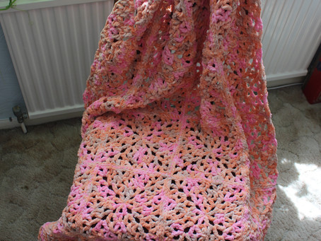 Quick & Lacy Blanket-Yarn Granny Blanket (Free Crochet Photo Tutorial)