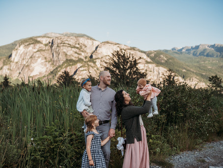 Mortensens family | Squamish Estuary family session | Vancouver family photographer