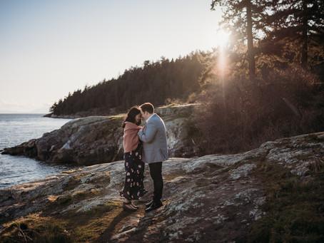 Jackie + Tommy | West Vancouver maternity session | Caulfeild Park