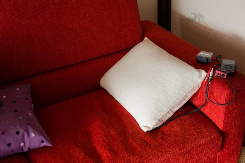 枕スピーカー、クッションスピーカー