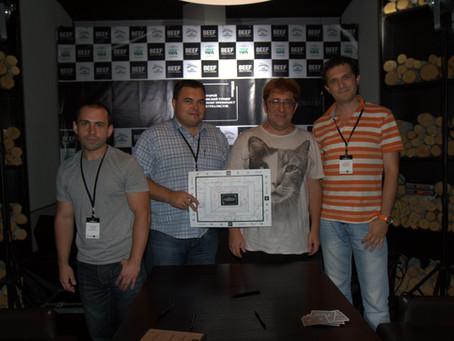 Журналісти зіграли з гросмейстером преферансу, чемпіоном світу 2009 року Гаріком Корогодським
