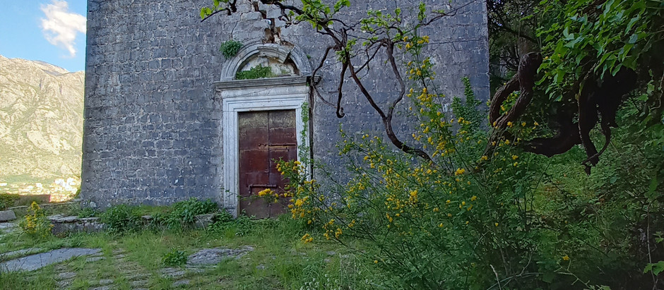 Abandoned churches along the medieval path of upper Prcanj