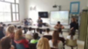 Realizzazione di un giornalino di classe con gli alunni della 5° B della scuola elementare De Sanctis