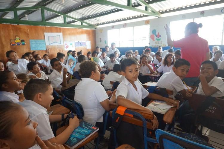 Starfish Nicaragua_84 kids in 1 class.jp