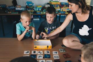 játékmester, gyerekek, fedőnevek