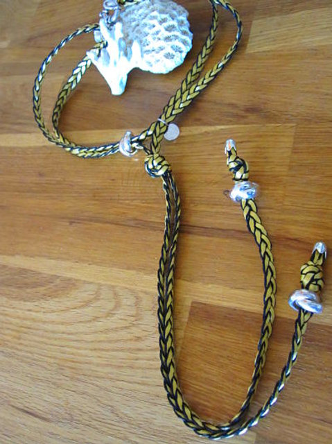 Sautoir corde tressé jaune doré