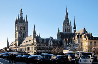 Ypres_grand_place.JPG