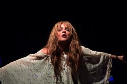 Charlotte Graf as Kerry