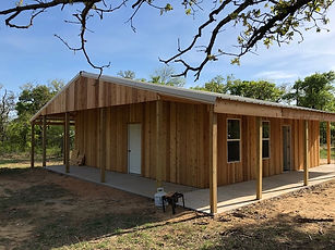 1 bedroo one bath Barndominium floor plan.