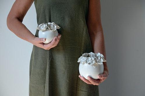 Coppia di Vasi  Corolla di Anemoni in gres