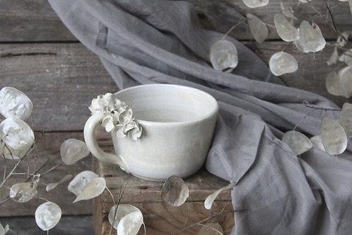 Tazza Ortensia in gres color avorio granito