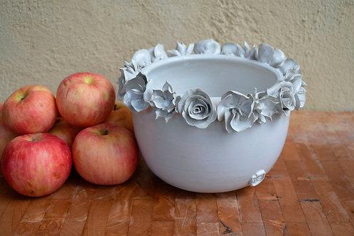 Romantica ciotola alta in gres con tre tipi di fiore diversi sul bordo - gres -