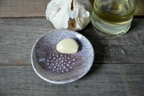 Gratta aglio in gres viola
