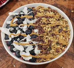 Granola, Cacao Nib & Coconut Smoothie Bowl