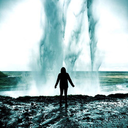 I love  my adventure wife! #adventurewives #chasingwaterfalls #livewylder #icelandyogaretreat #lando