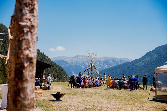 boda-en-la-borda-del-pi-vall-montaup-roc