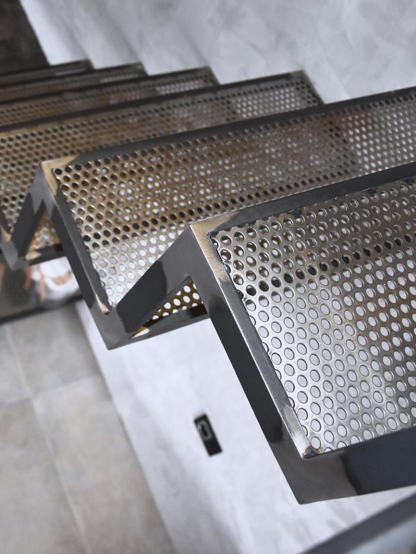 Escaliers tôle perforée