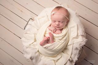 Séance photo Nouveau né de moins de 15 jours par Sandrine Wattel, Photographe secteurs Cambrai, Lill