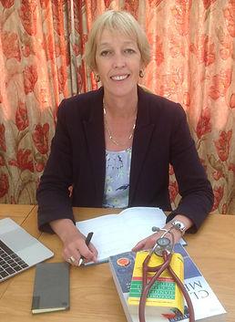Dr. Kirsten Mackay