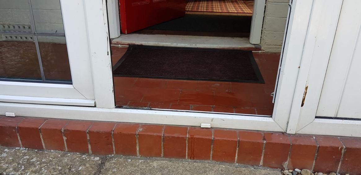 Access into Cherries Porch.JPG