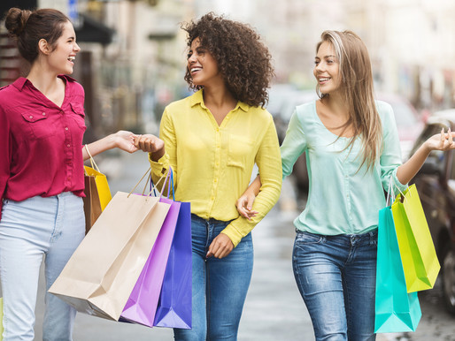 Benefits of Renting in a Shopping Center