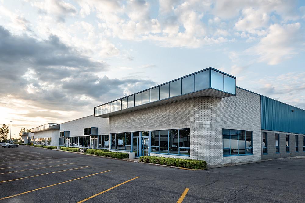 Retail Center - Shopping Center - Commercial Real Estate