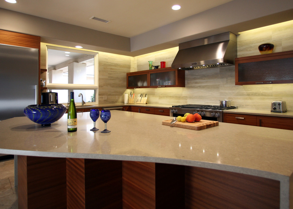 KITCHEN ISLAND WITH CURVES