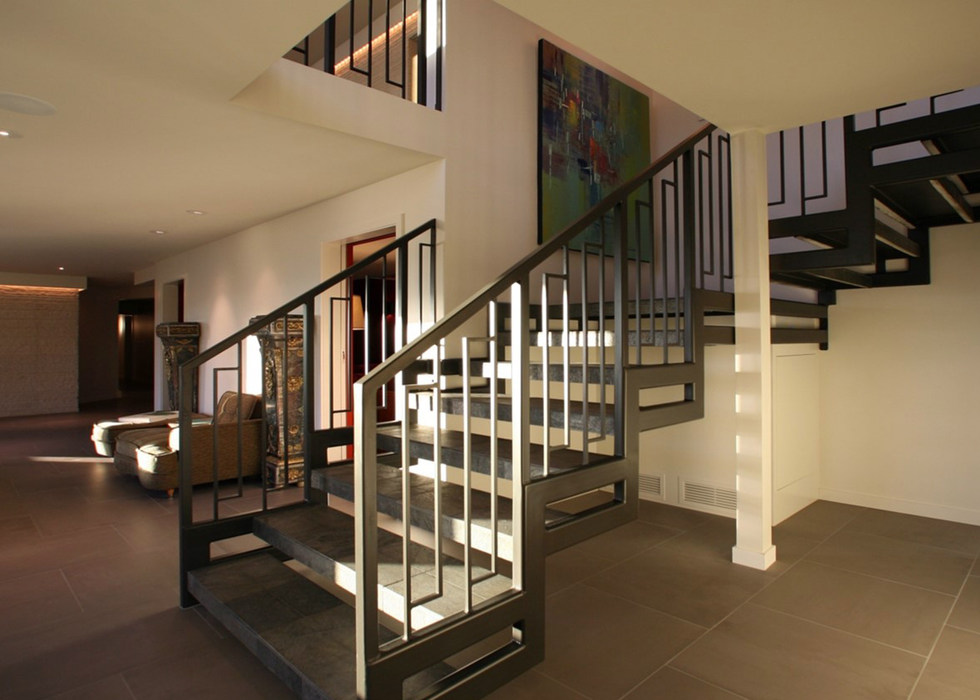 FLOATING METAL AND CONCRETE STAIRS