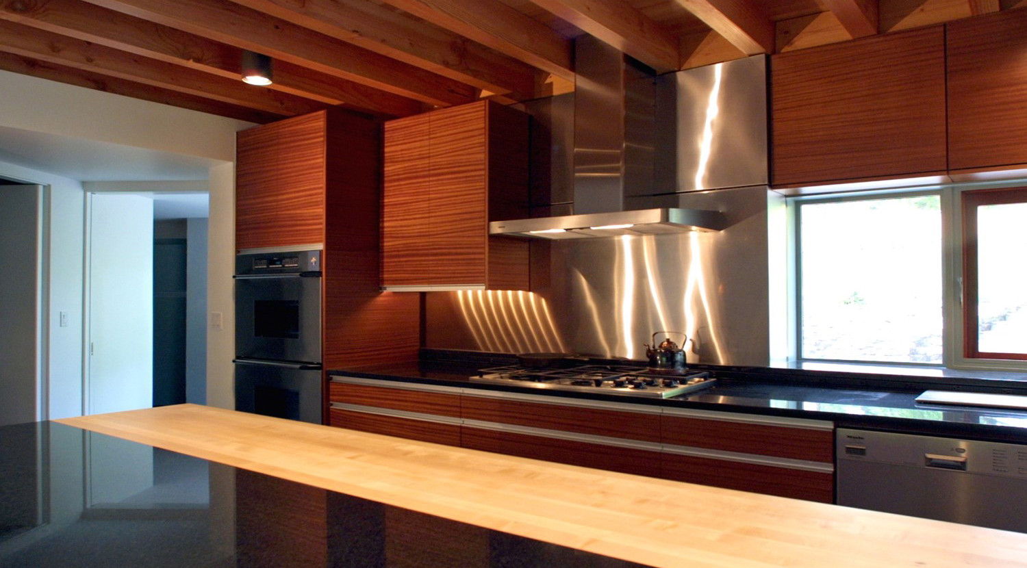 WOOD, STONE, AND METAL KITCHEN MATERIALS