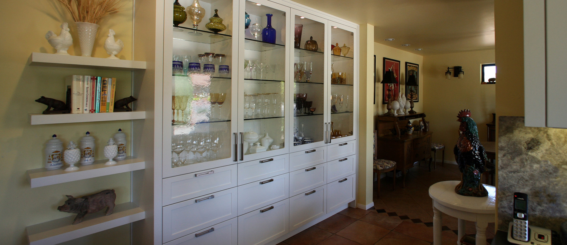 KITCHEN DISPLAY CABINETRY