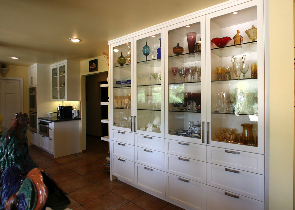 KITCHEN DISPLAY CABINET DESIGN