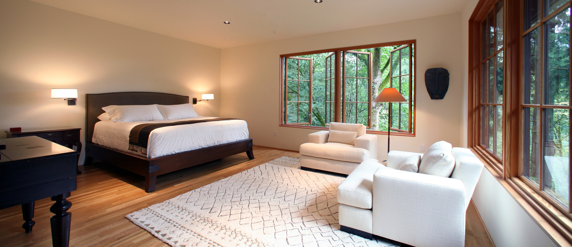 CLEAN AND RICH MASTER BEDROOM