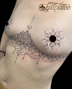 tatouage artistique pour camoufler des cicatrices à Bordeaux