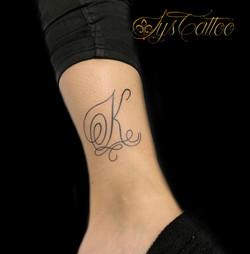 tatouage initiale Bordeaux
