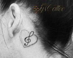 tatoueur leognan