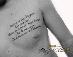 tatouage lettrage bordeaux
