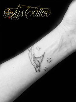 tatouage femme bordeaux gironde