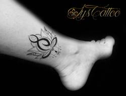 tatouage bouddha lotus bordeaux